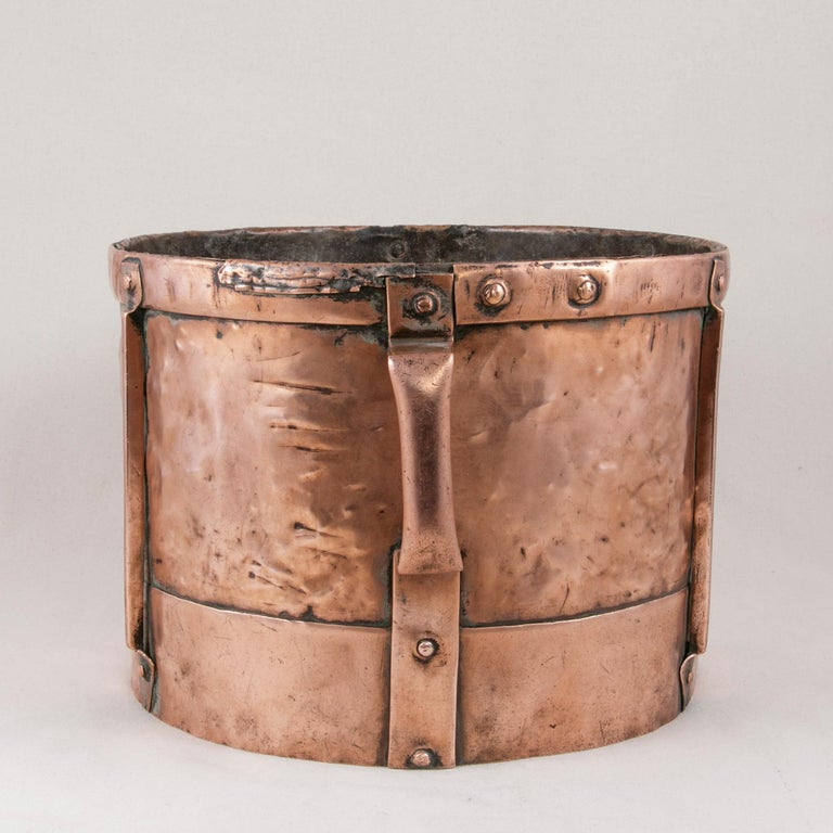 Late 19th Century French Copper Grain Measure or Cachepot, Planter with Handles In Good Condition For Sale In Fayetteville, AR