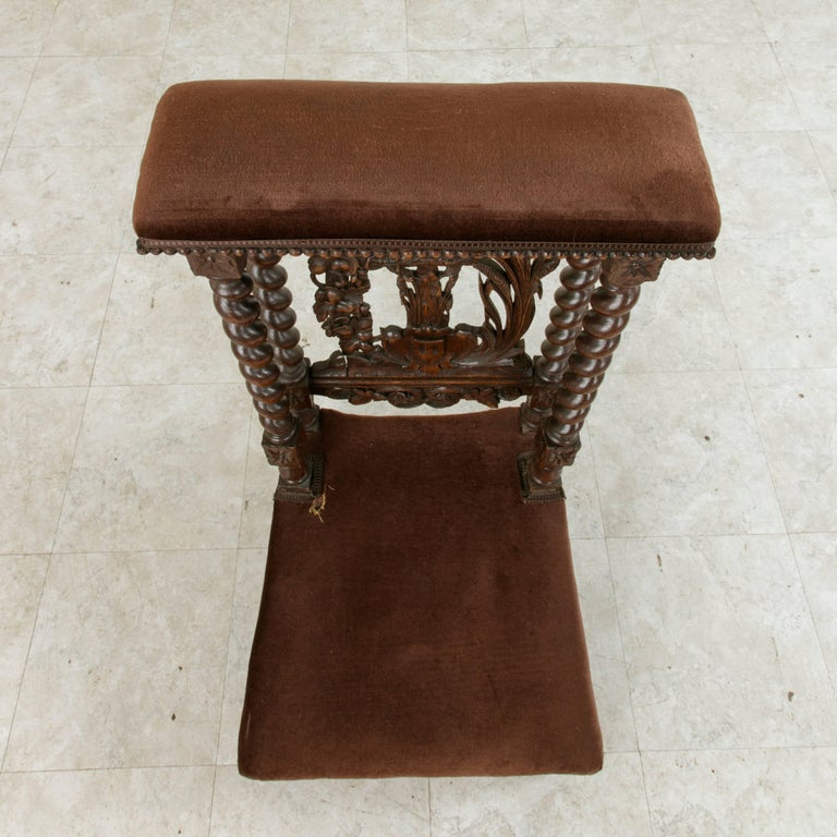 Late 19th Century French Hand-Carved Oak Prie Dieu or Prayer Chair with Columns For Sale 4