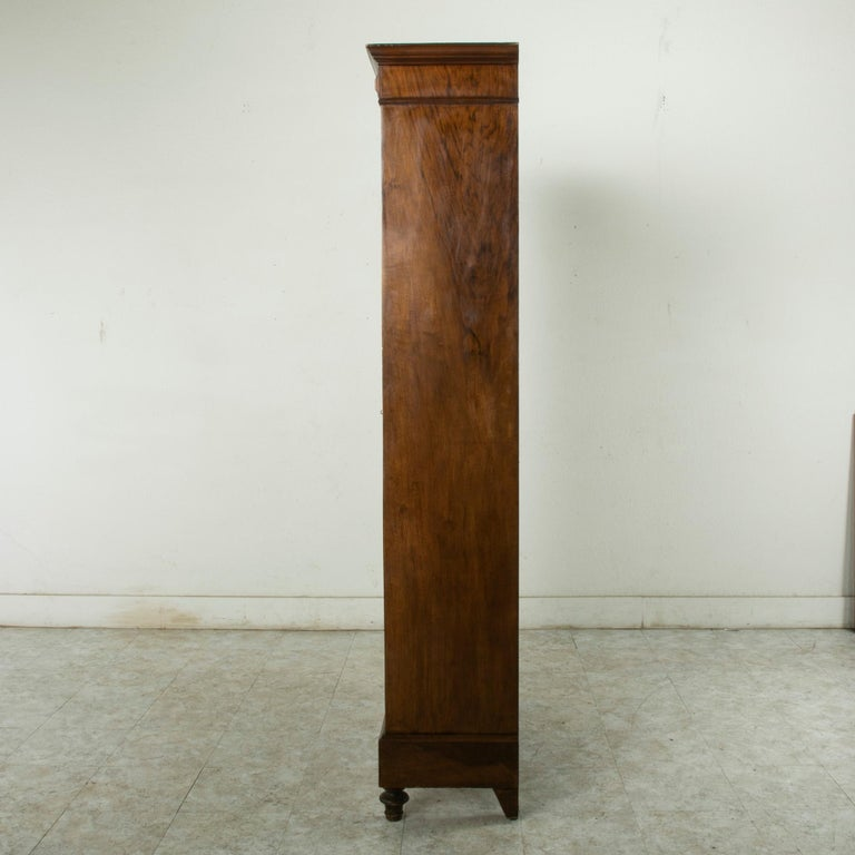 Renaissance Late 19th Century French Henri II Style Hand-Carved Walnut Bookcase or Vitrine For Sale
