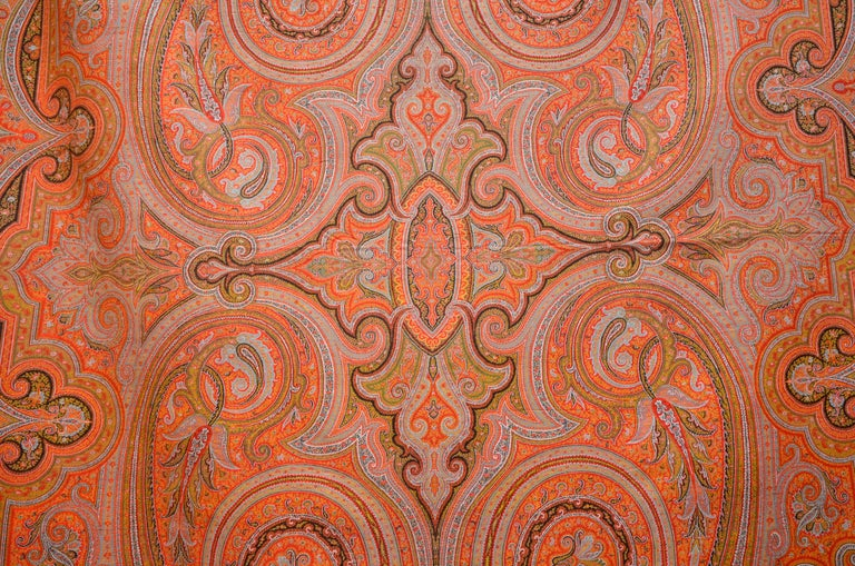 Kashmir Paisley Shawl, realized in France, circa 1870. Size 11 ft x 5.3 ft - cm. : 333 x 156. Handwoven in wool, natural dying colors, with Jaquard hand loom. Long and narrow policrome palmettes pattern covering all over the shawl, no central