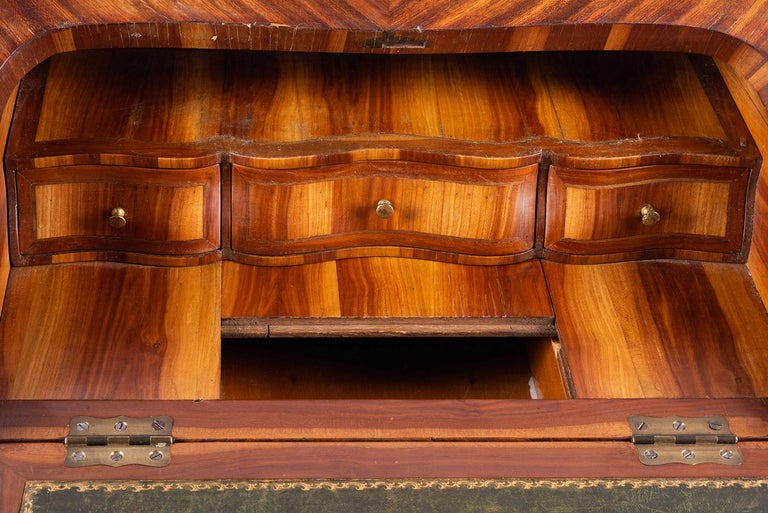 Late 19th Century French Ladies Writing Desk In Good Condition For Sale In Brighton, Sussex