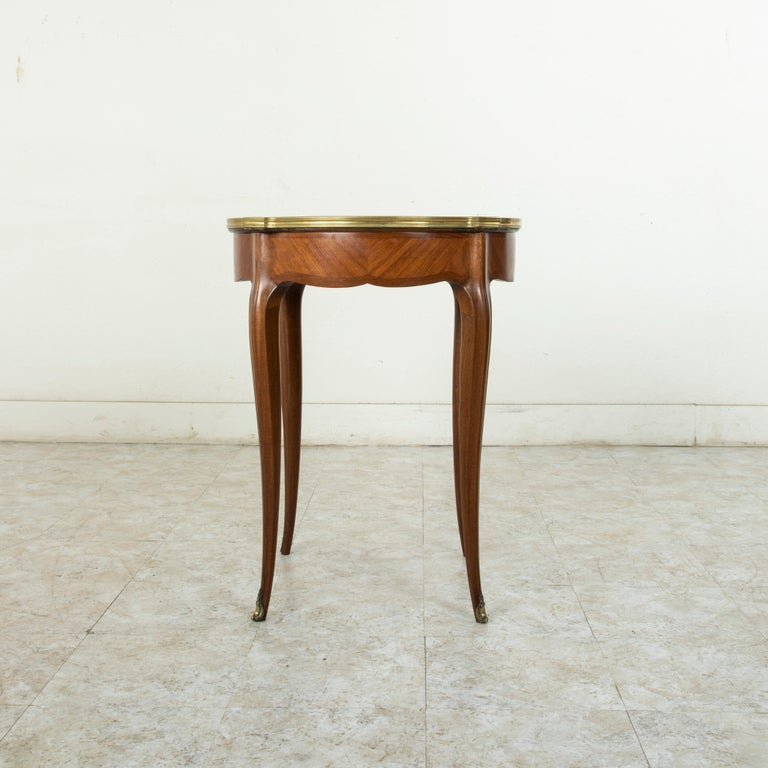Late 19th Century French Louis XV Style Walnut Gueridon Side Table with Marble For Sale 1
