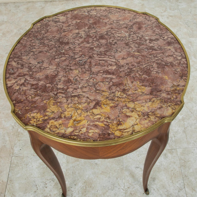 Late 19th Century French Louis XV Style Walnut Gueridon Side Table with Marble For Sale 5