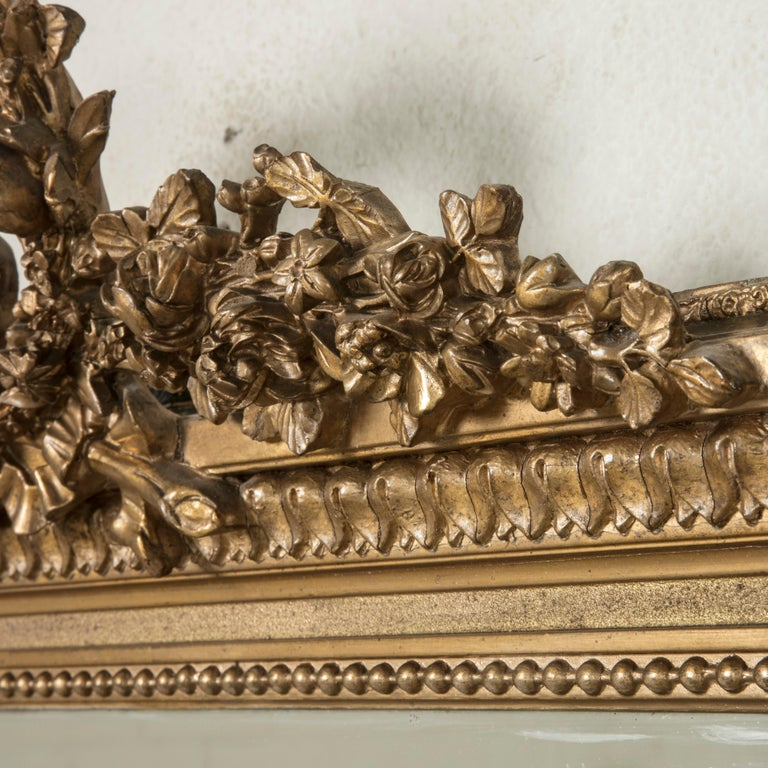 Late 19th Century French Louis XVI Style Gilt Wood Mirror with Wreath For Sale 5