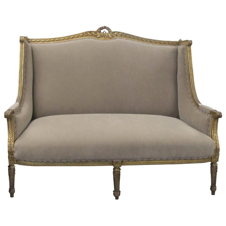 Late 19th Century French Louis XVI Style Marquise Two-Seat Carved Sofa For Sale