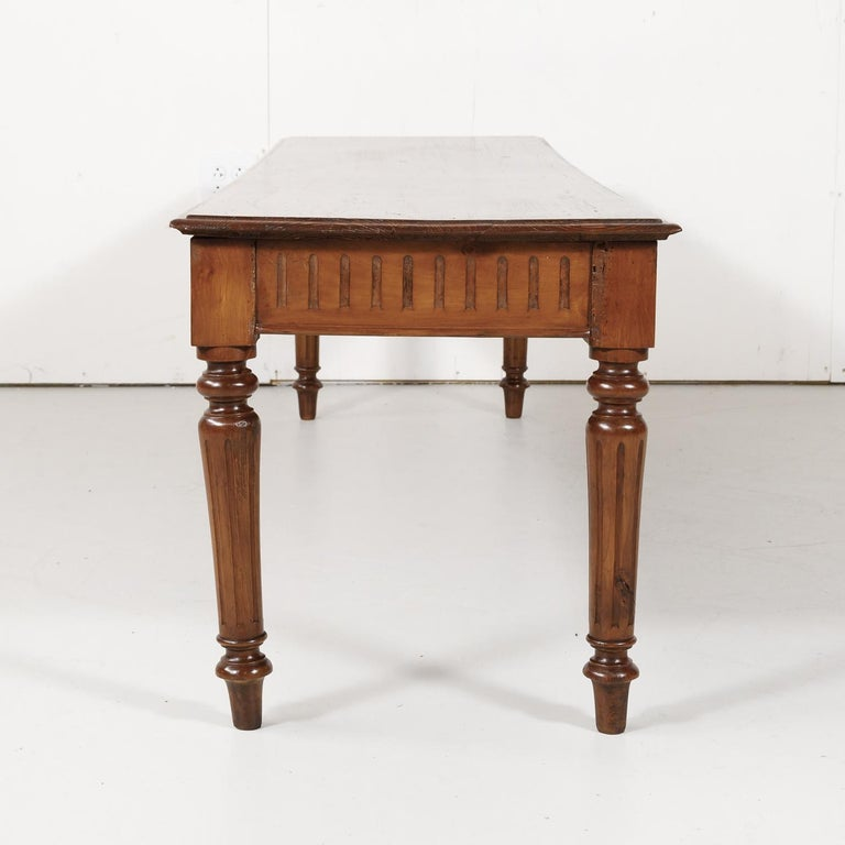 Late 19th Century French Louis XVI Style Pine Hallway Bench For Sale 7