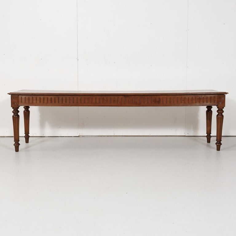 Late 19th Century French Louis XVI Style Pine Hallway Bench For Sale 1
