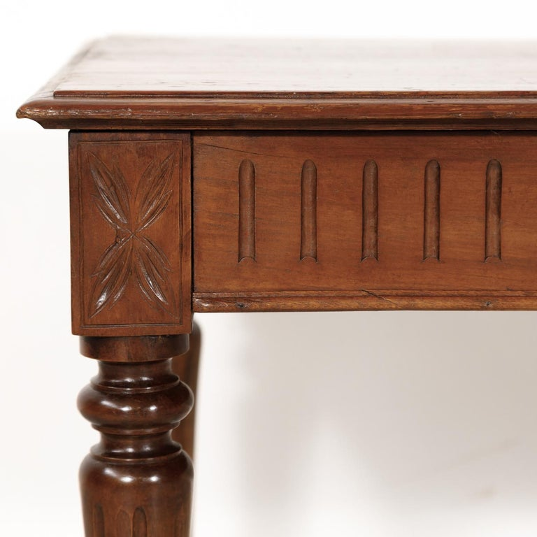 Late 19th Century French Louis XVI Style Pine Hallway Bench For Sale 3