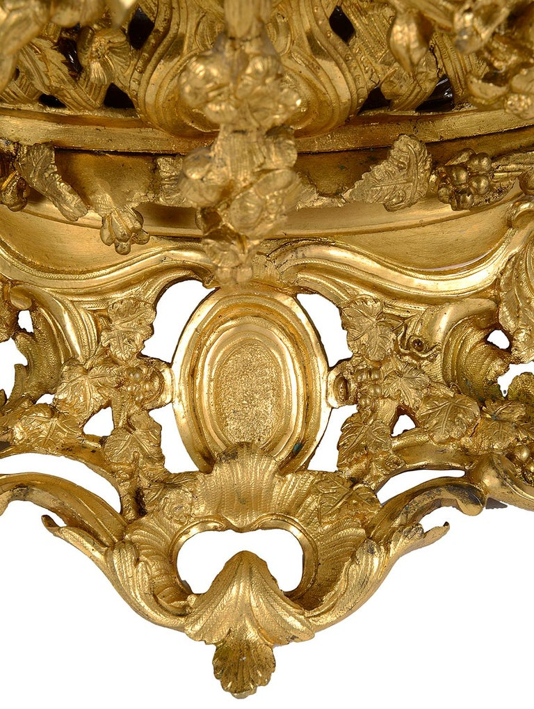 Late 19th Century Gilded Ormolu Centre Piece For Sale 3