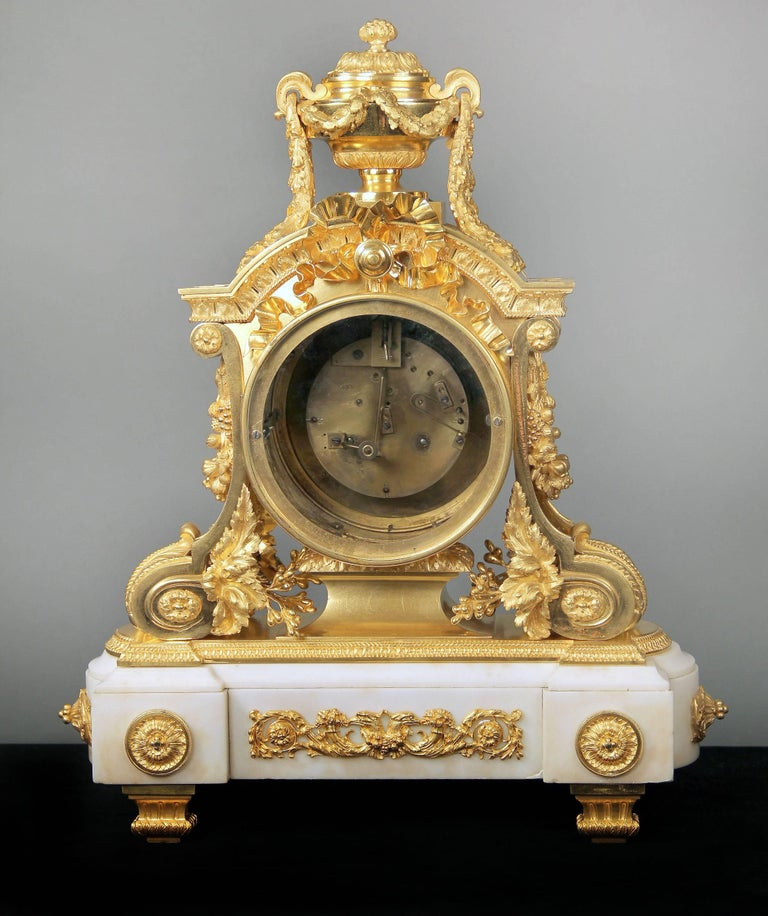 Late 19th Century Gilt Bronze Mounted White Marble Mantle Clock by Charpentier In Good Condition For Sale In New York, NY