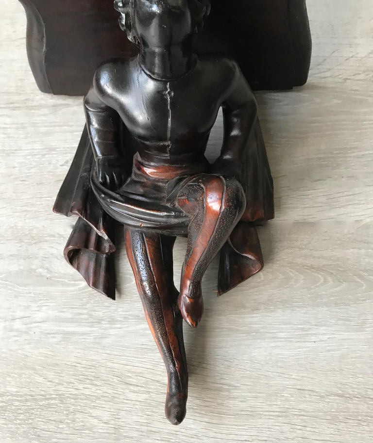 Late 19th Century Hand Carved and Ebonized Venetian Boy Sculpture Wall Bracket For Sale 1