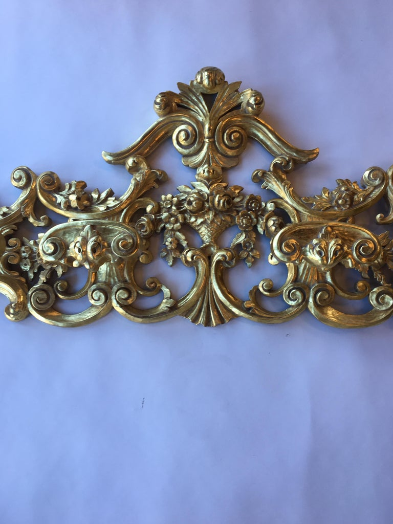 Hand-Carved Late 19th Century Italian Hand Carved 22-Karat Gold Coat Hanger For Sale