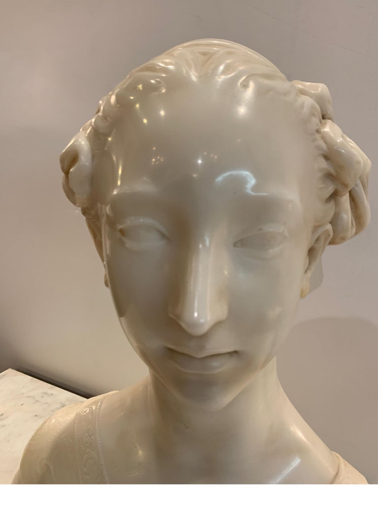 Late 19th Century Italian Marble Bust of a Young Maiden Woman, Pre-Ralphaelite For Sale 4