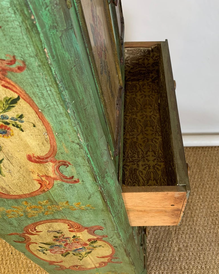 Late 19th Century Italian Paint Decorated Semanier For Sale 7