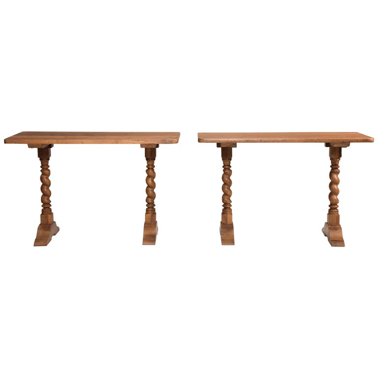 Late 19th Century Italian Walnut Wood Spool Legs Table Console In Good Condition For Sale In Milano, IT