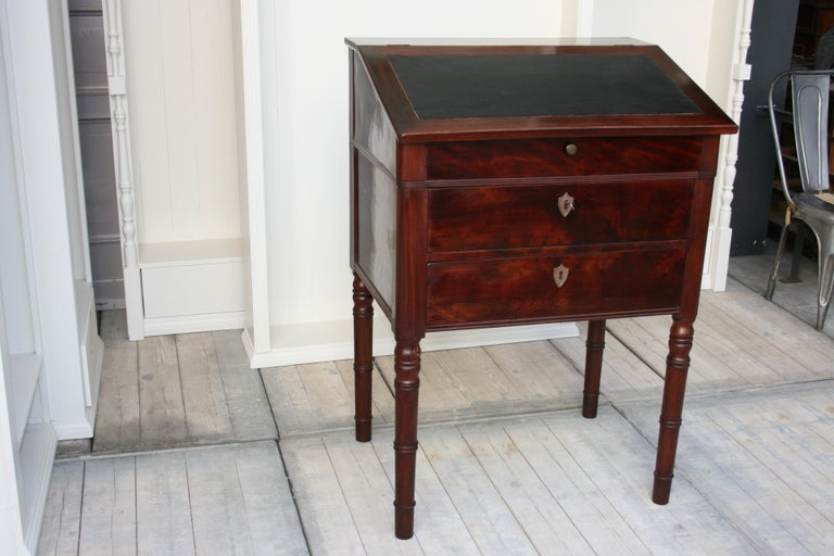 Late 19th Century Lectern / High Desk, Mahogany Shellac Polished For Sale 7
