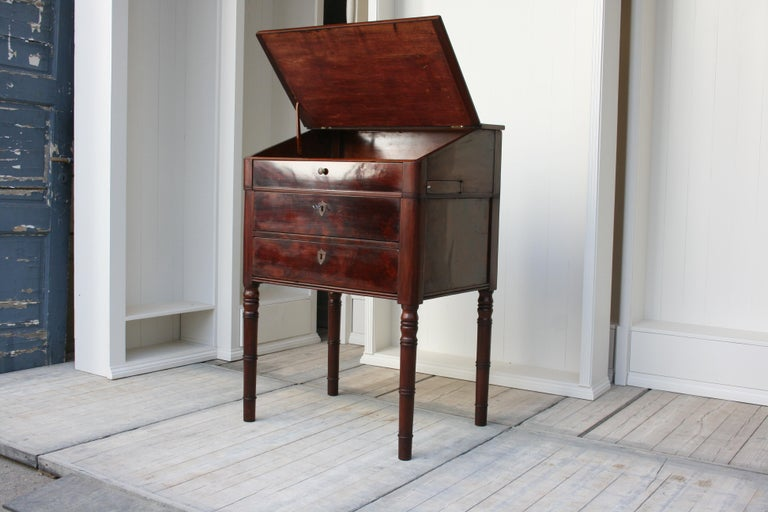 Late 19th Century Lectern / High Desk, Mahogany Shellac Polished In Good Condition In Dusseldorf, DE