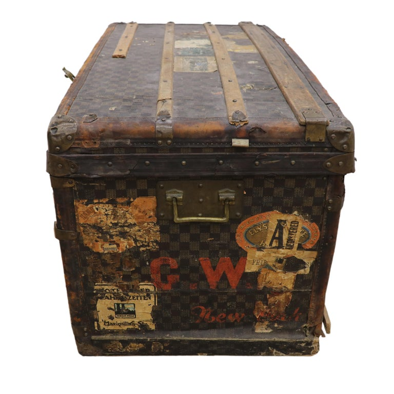 Late 19th Century Louis Vuitton Damier Ebene Canvas Steamer Trunk In Distressed Condition For Sale In Dallas, TX