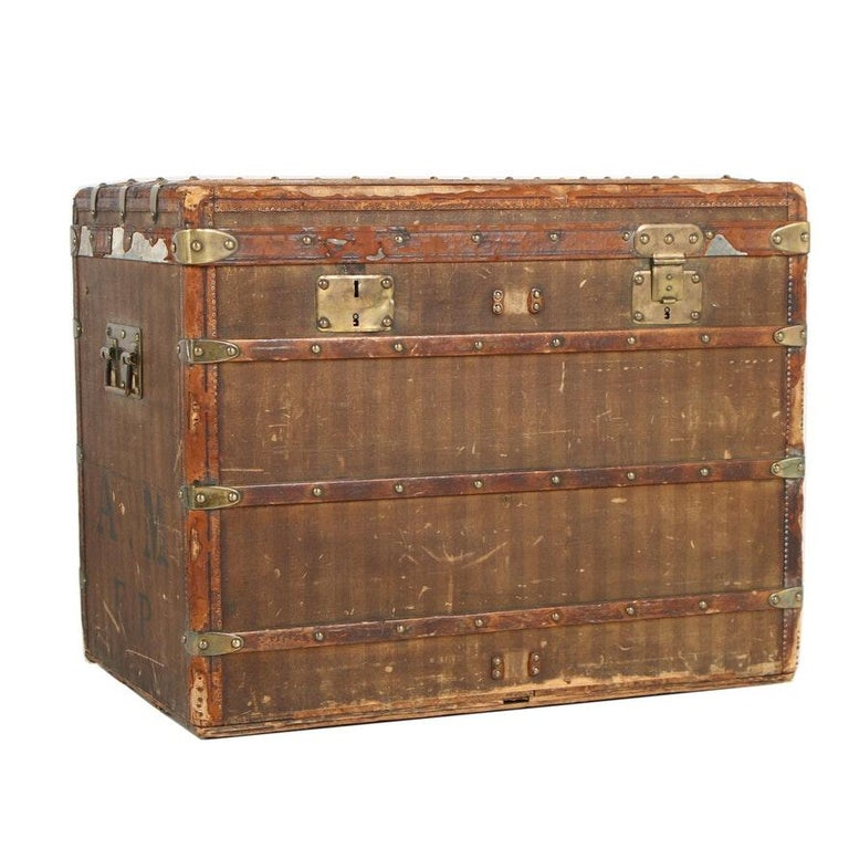 Late 19th Century Louis Vuitton Striped Rayee Canvas Steamer Trunk For Sale 12
