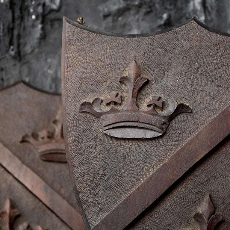 Late 19th Century Match Pair of Mahogany English Armorial Carved Shields In Fair Condition For Sale In London, GB