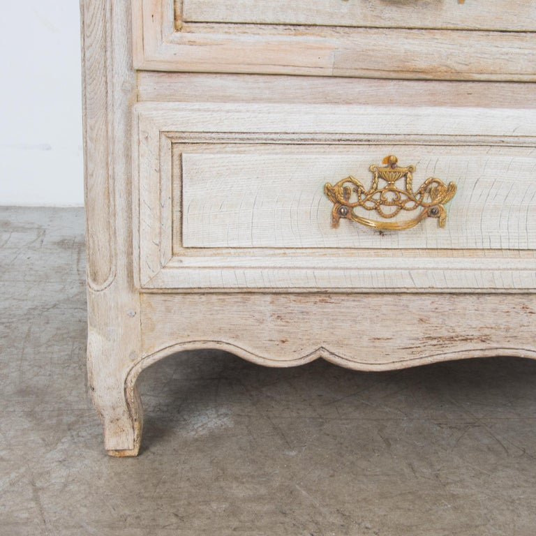 Late 19th Century Oak Chest of Drawers For Sale 3