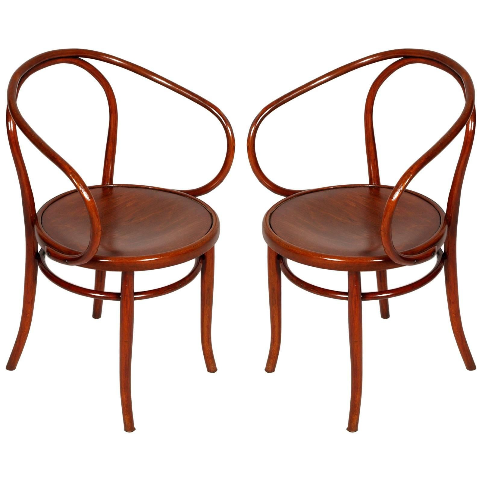 Late 19th Century Pair of Bentwood B-9 Armchairs by Michael Thonet Restored For Sale  sc 1 st  1stDibs & Late 19th Century Pair of Bentwood B-9 Armchairs by Michael Thonet ...