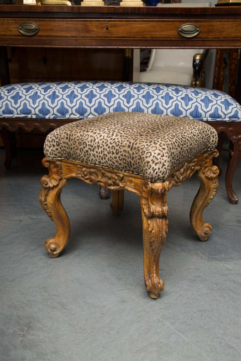 Late 19th Century Pair of Italian Carved Rococo Style Stools For Sale 2