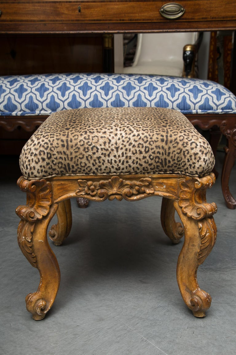 Late 19th Century Pair of Italian Carved Rococo Style Stools For Sale 3