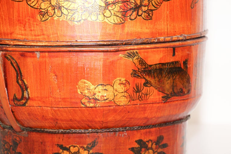 Late 19th Century Red Lacquer Chinese Picnic Basket For Sale 10
