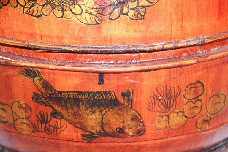 Late 19th Century Red Lacquer Chinese Picnic Basket In Good Condition For Sale In North Hollywood, CA