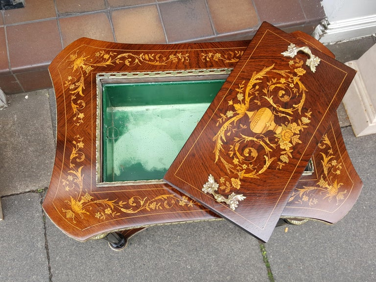 English Late 19th Century Rosewood Jardinière For Sale
