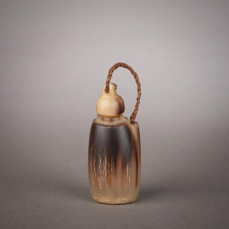 Late 19th Century Tribal Snuff Bottle, Southern Africa In Good Condition For Sale In New York, NY