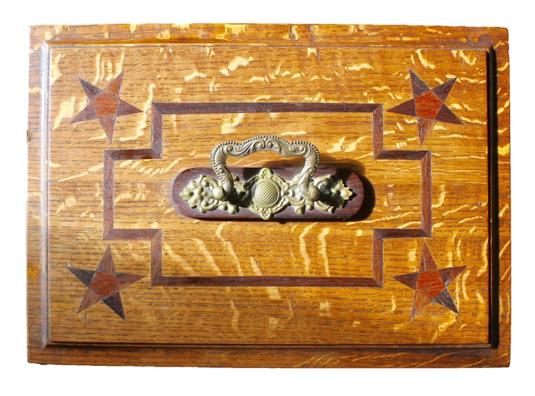 Late 19th Century Wooden Oak Box with Inlay Works, Austria, circa 1890 In Good Condition For Sale In Verviers, BE
