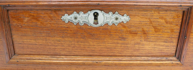 Late 19th Century Wooden Oak Box with Inlay Works, Austria, circa 1890 For Sale 1