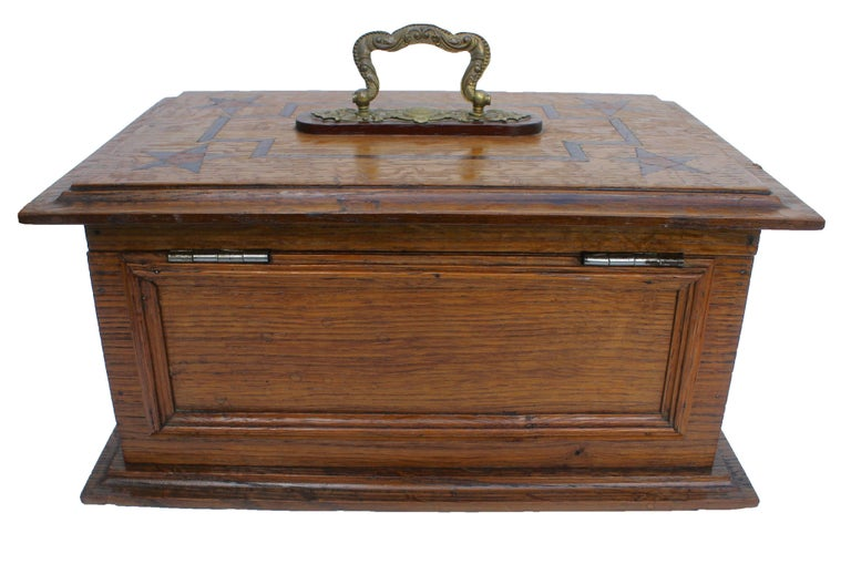 Late 19th Century Wooden Oak Box with Inlay Works, Austria, circa 1890 For Sale 3