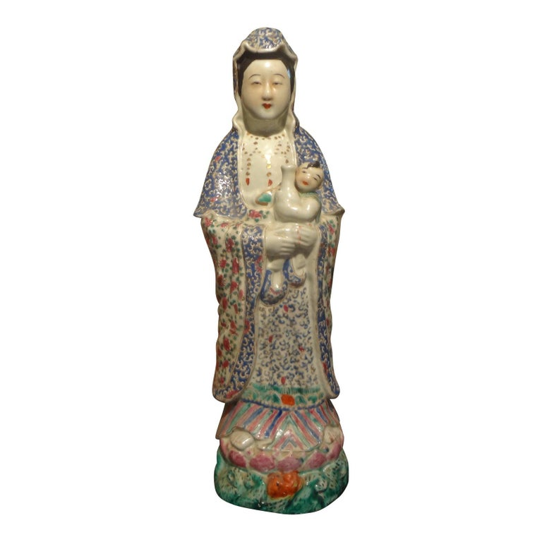 Late 19th-Early 20th Century Chinese Hand Decorated Porcelain Figure For Sale 6