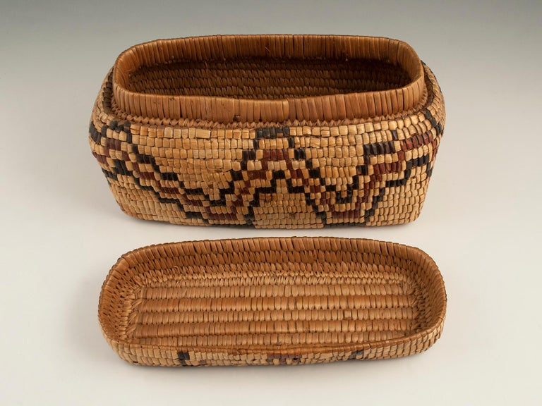 Natural Fiber Late 19th-Early 20th Century Tribal Native American Columbia River Basket For Sale