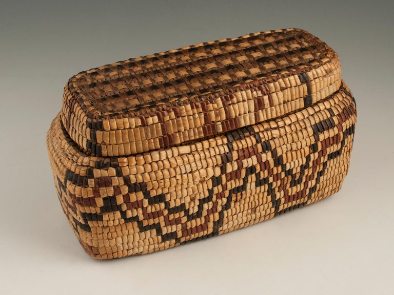 Late 19th-Early 20th Century Tribal Native American Columbia River Basket For Sale 2