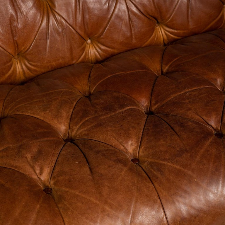Late 20th Century 3-Seat Chesterfield Leather Sofa with Button Down Seat For Sale 7