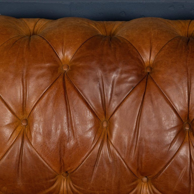 Late 20th Century 3-Seat Chesterfield Leather Sofa with Button Down Seat For Sale 14
