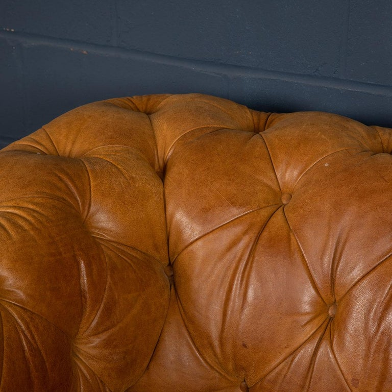 Late 20th Century 3-Seat Chesterfield Leather Sofa with Button Down Seat For Sale 16
