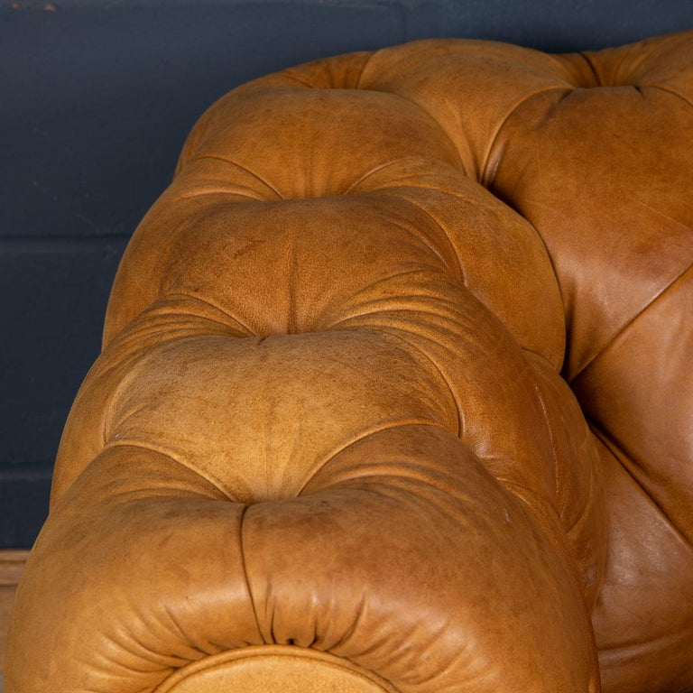 Late 20th Century 3-Seat Chesterfield Leather Sofa with Button Down Seat For Sale 4