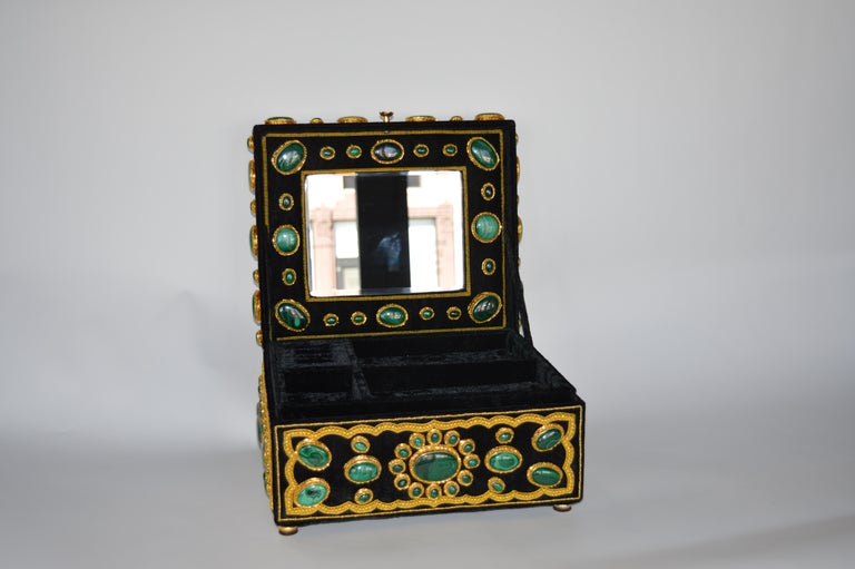 Late 20th century handmade jewelry box with malachite, gold threads and mohair velvet fabric, Italy.