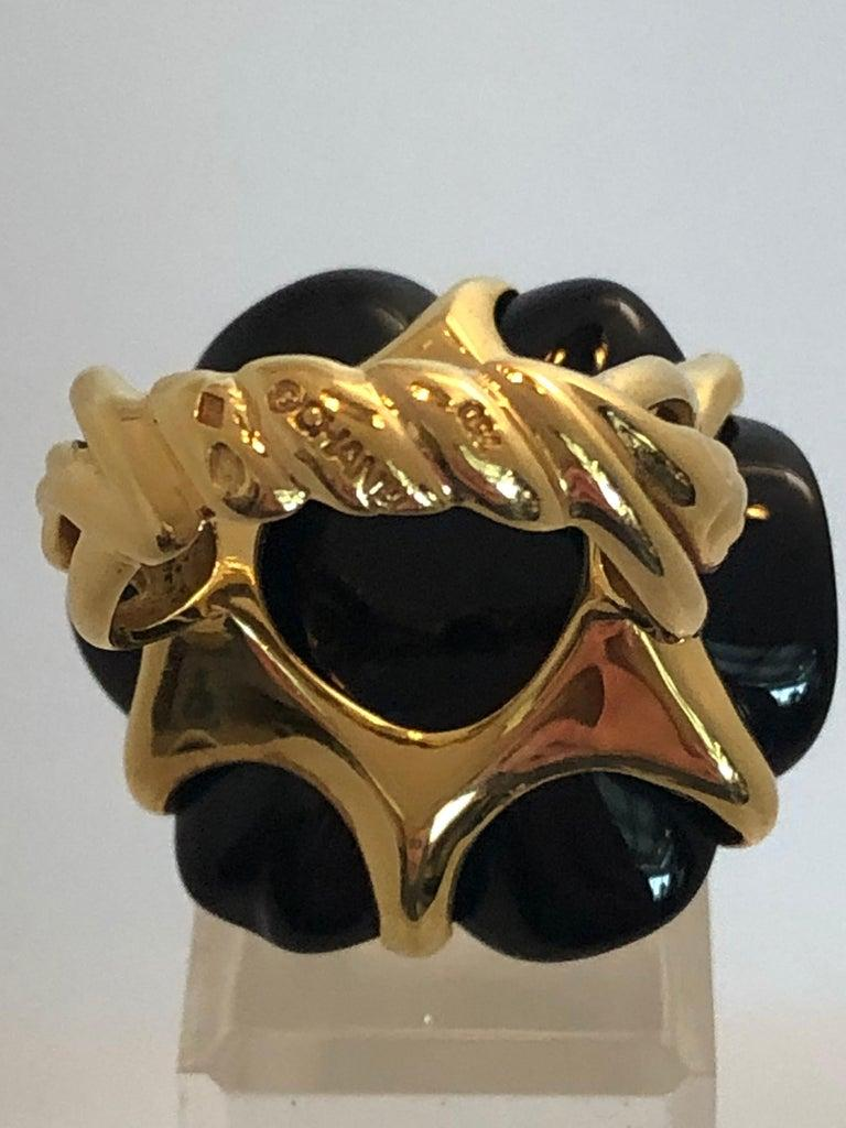 Stamped Chanel Black Onyx and 18-Karat Gold Camellia Cocktail Ring In Good Condition For Sale In Houston, TX