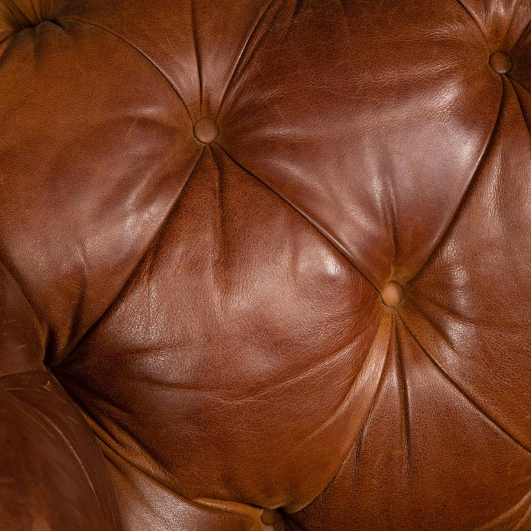 Late 20th Century 3-Seat Chesterfield Leather Sofa with Button Down Seat For Sale 6