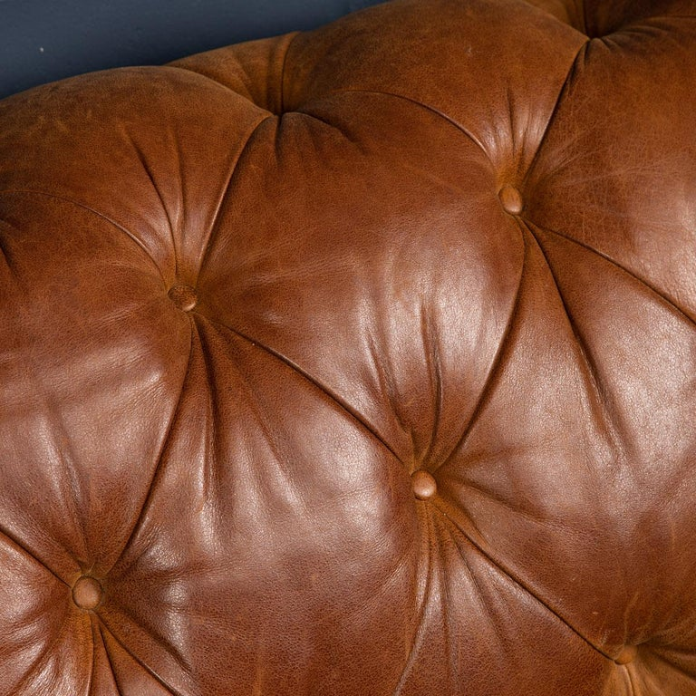 Late 20th Century 3-Seat Chesterfield Leather Sofa with Button Down Seat For Sale 9