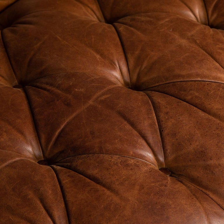 Late 20th Century 3-Seat Chesterfield Leather Sofa with Button Down Seat For Sale 10
