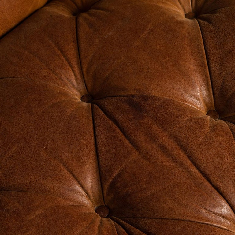 Late 20th Century 3-Seat Chesterfield Leather Sofa with Button Down Seat For Sale 12