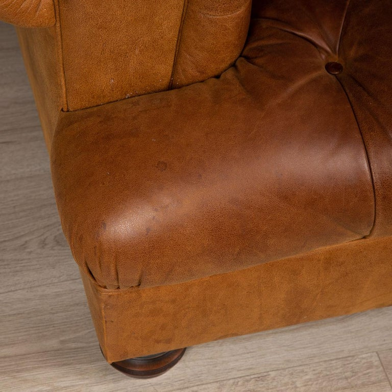 Late 20th Century 3-Seat Chesterfield Leather Sofa with Button Down Seat For Sale 1