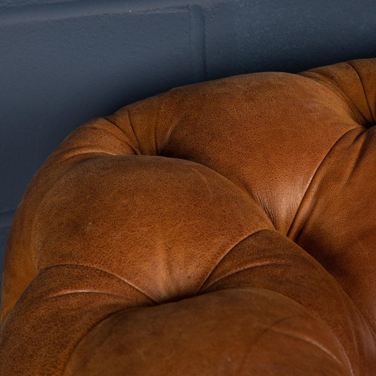 Late 20th Century 3-Seat Chesterfield Leather Sofa with Button Down Seat For Sale 5